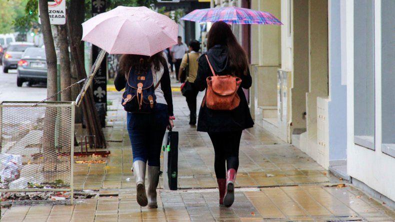 Frío, lluvia y probabilidad de neviscas en el Alto Valle