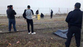un hombre fue arrollado por el tren y murio: investigan que ocurrio
