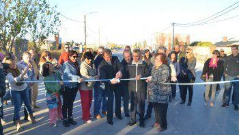 inauguraron pavimentacion de la calle saturnino franco