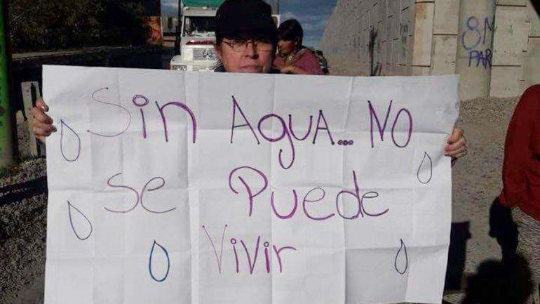 Vecinos de Oro volvieron a cortar la Ruta 22 en reclamo por agua potable