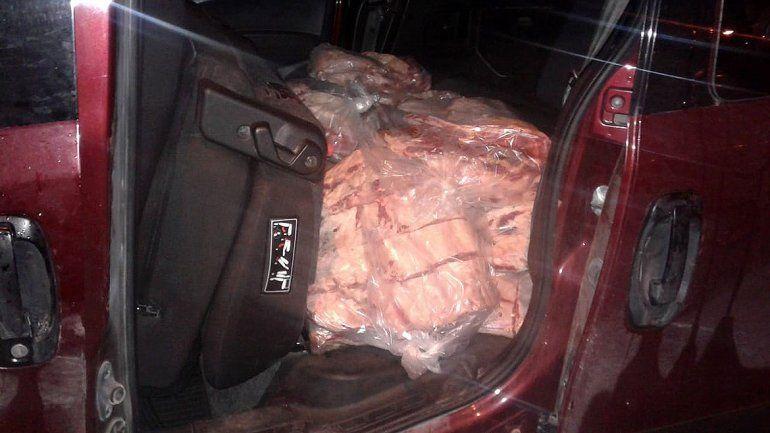 Volvieron a atrapar a un hombre que intentaba contrabandear carne: llevaba 200 kilos escondidos