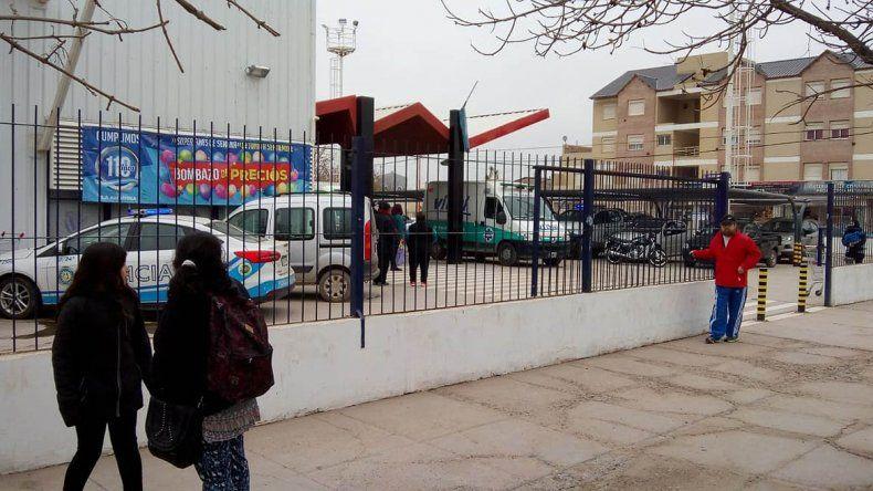 Un hombre murió mientras compraba en un supermercado