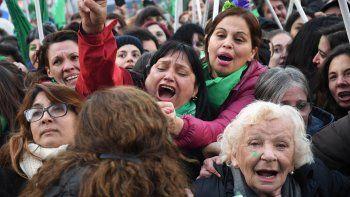 asi festejaron las mujeres la media sancion en diputados