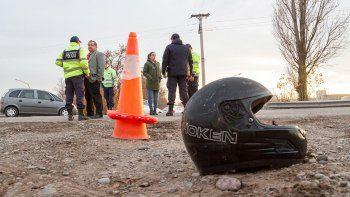 El vecino que falleció el viernes conducía una moto.