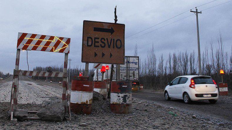 Por las malas condiciones de los desvíos en Ruta 22, Koko suspendió el recorrido