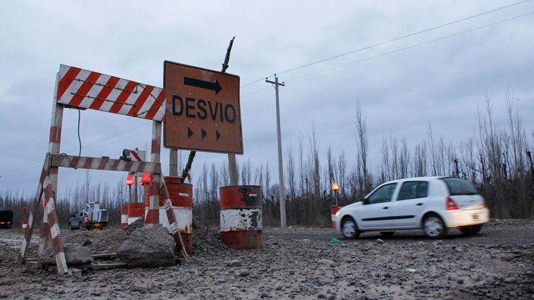 Denuncian la suspensión de 60 trabajadores en las obras de la Ruta 22