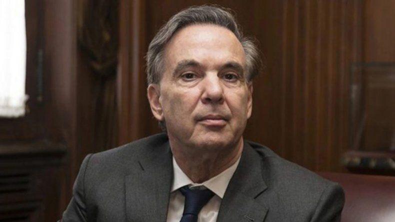 Pichetto apuntó contra los extranjeros detenidos en el Congreso