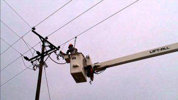 Un operario recibió una descarga eléctrica y se salvó de milagro