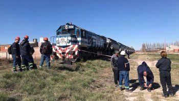 joven murio tras ser arrollado por un tren de carga