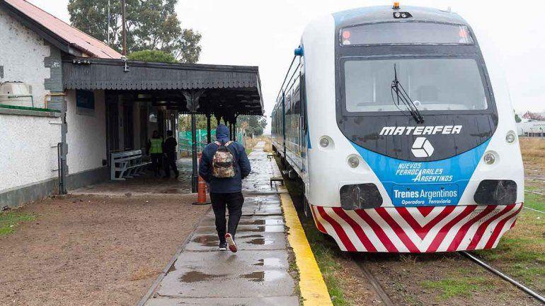 El Tren del Valle, sin fecha y con conflicto de por medio