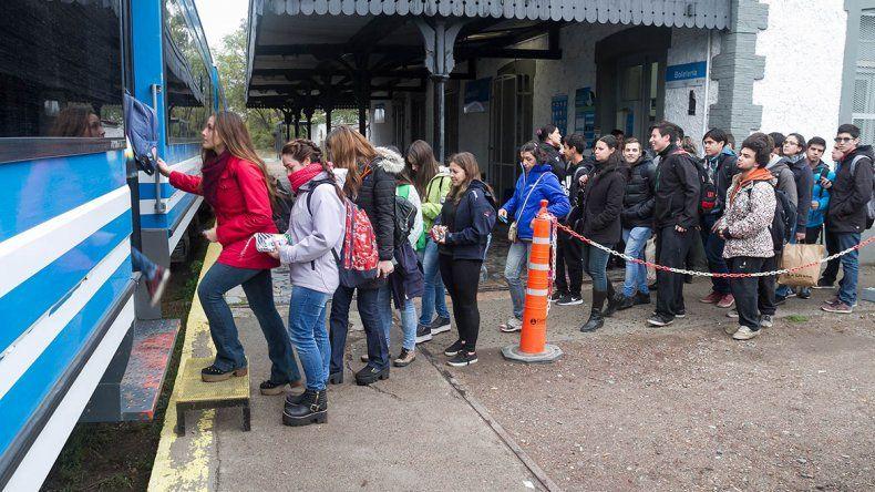 El Tren del Valle: la salvación de los cipoleños que intentaban llegar hasta Neuquén