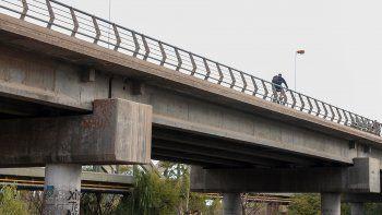 Como pirañas, ladrones atacan a los ciclistas en la zona de puentes.
