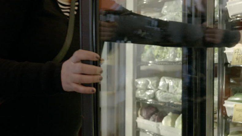 La ANMAT prohibió la venta de 100 lotes de alimentos congelados