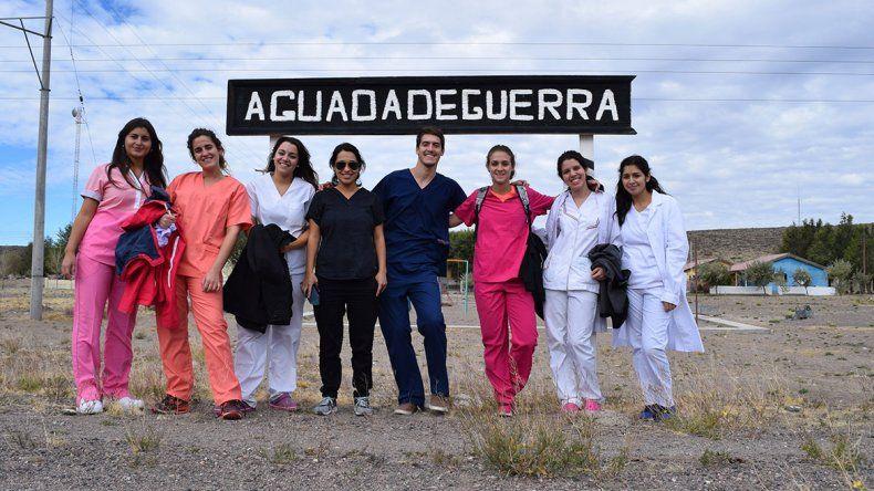 Docentes y estudiantes de Odontología atendieron a 150 pacientes en Aguada de Guerra