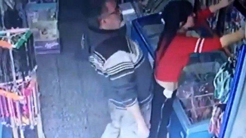 Abusó de una kiosquera, quedó grabado y lo atraparon
