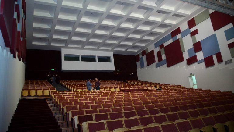 En el interior del edificio cultural