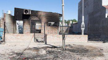 una familia quedo en la calle tras un voraz incendio