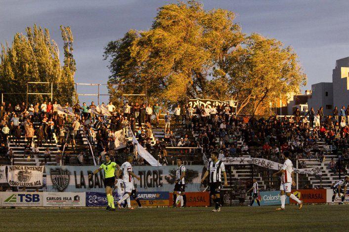 No salen del fondo: Cipolletti e Independiente empataron en La Visera