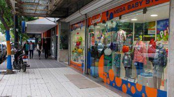 Varios comercios de la zona céntrica de Cipolletti fueron alertados por el accionar impune del conocido ladrón.
