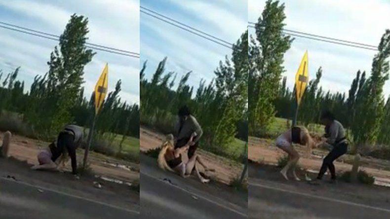 Grabaron la brutal golpiza a una joven trans en la Ruta 22