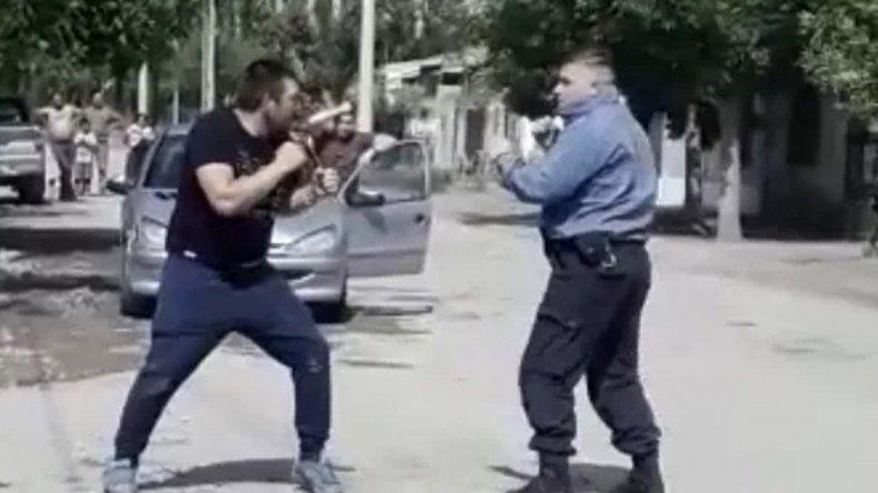 Un policía y un vecino de Regina se boxearon en medio de la calle