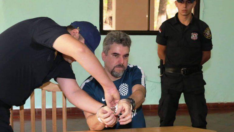 Asesinó a una chica para no ser extraditado a su país