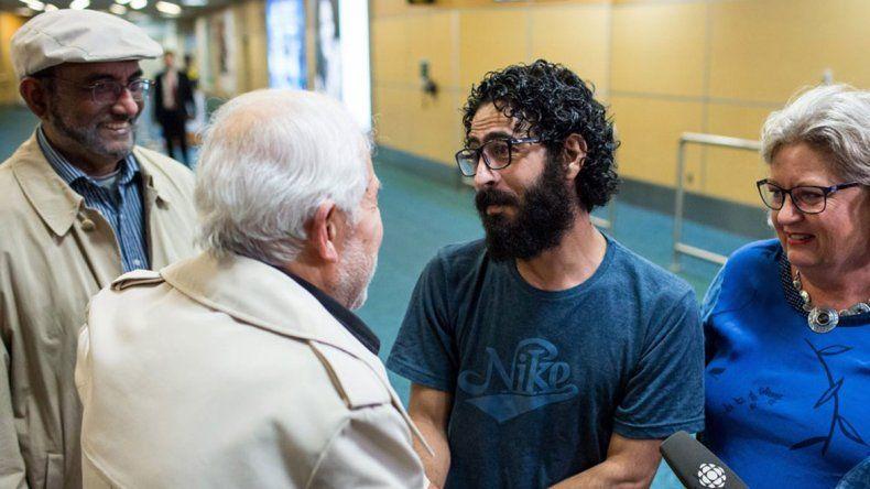 El sirio que vivía en un aeropuerto viajó a Canadá