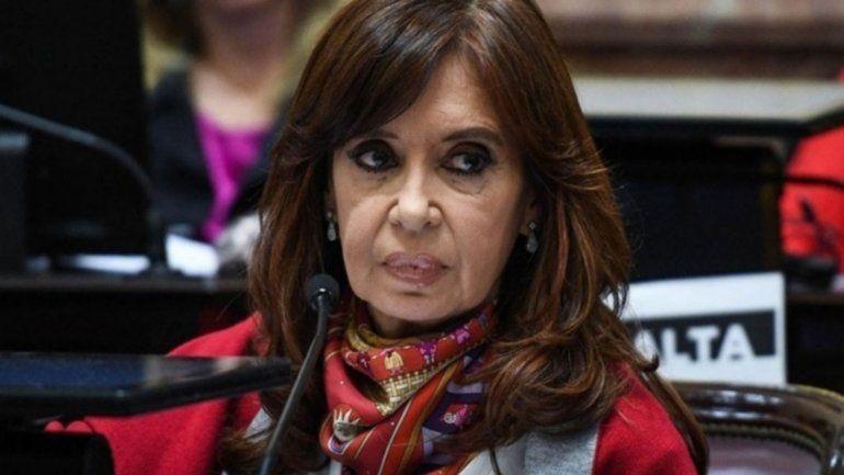 Una costurera demanda a CFK por dos millones