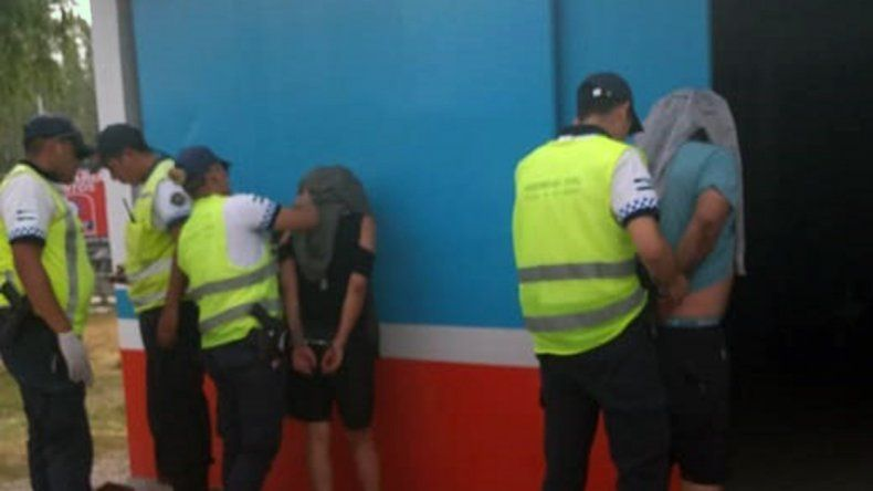 Le encontraron un revólver en la cartera durante un control de tránsito y fue detenida
