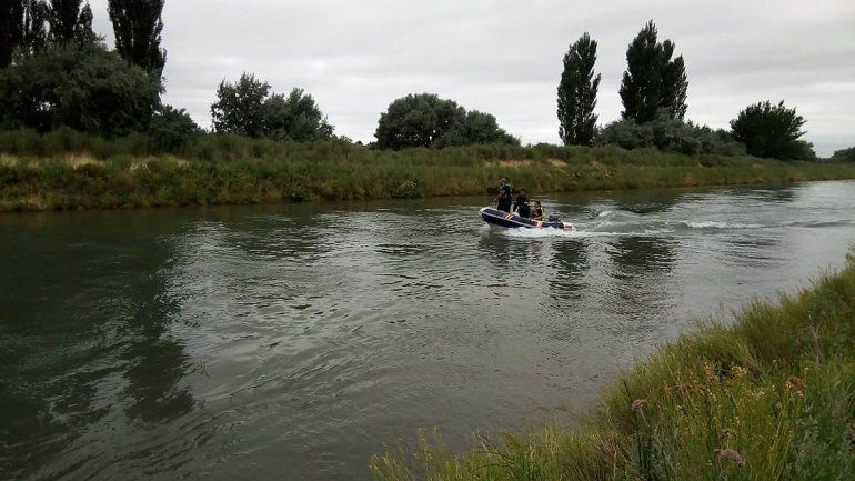 Encontraron muerto al joven que cayó al Canal Principal de Riego en Allen