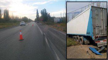 susto sobre la 151: dos camiones perdieron el control y despistaron