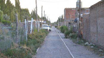 la toma de las vias en ferri crece y ya hay 350 casas