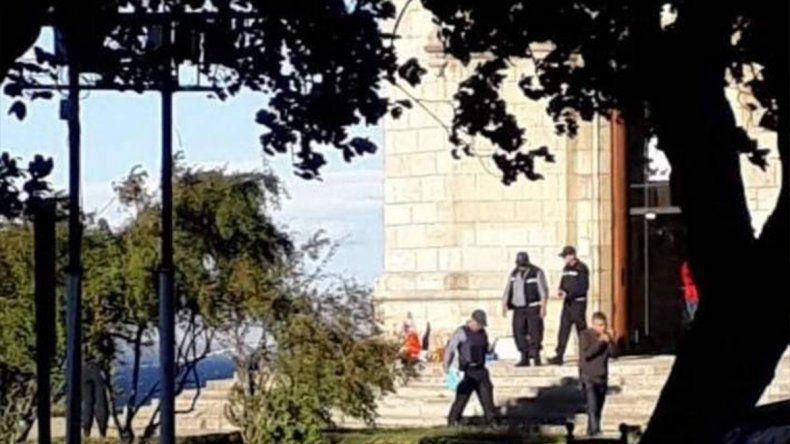 La mataron de un disparo en la cabeza en pleno centro de Bariloche: buscan a su ex
