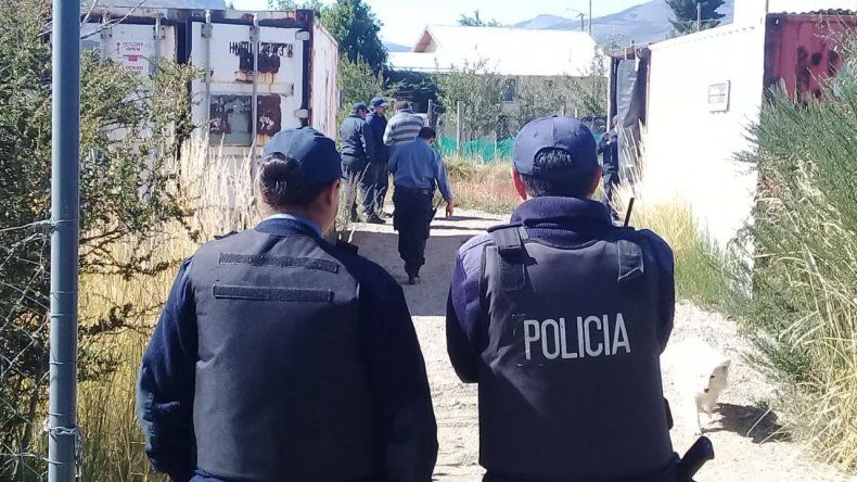 Intensificaron los rastrillajes para dar con el femicida de Bariloche