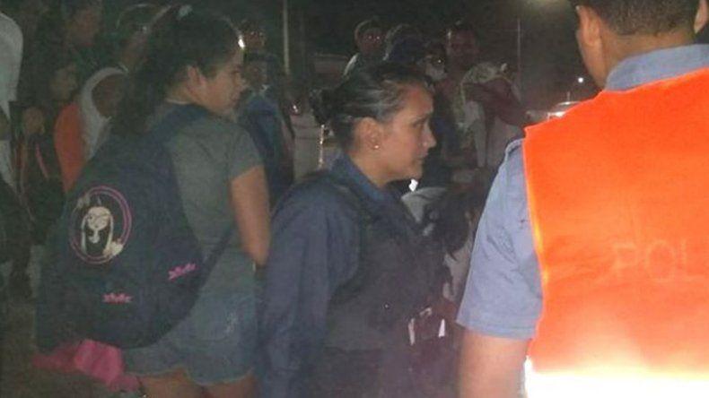 Una mujer policía salvó a una nena en la Fiesta de la Manzana