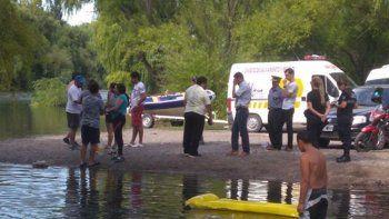 hallaron el cuerpo del joven que fue arrastrado por el rio negro