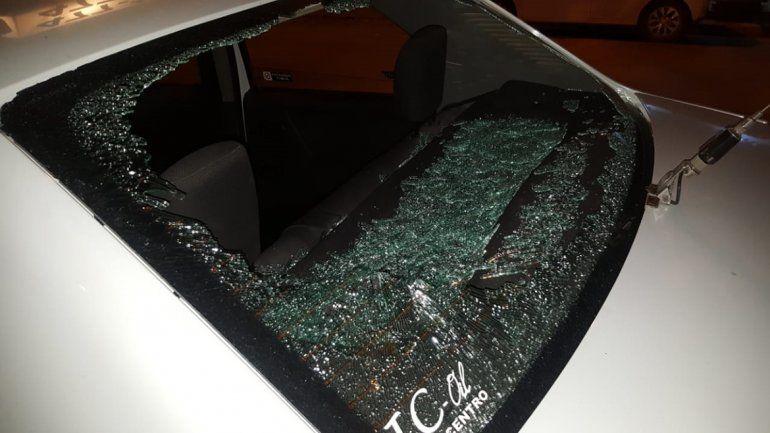 Le rompieron el taxi y da recompensa para dar con el agresor