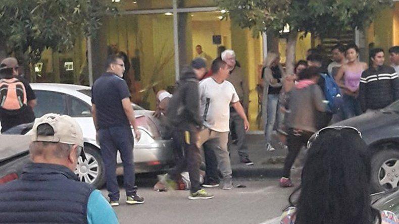 Atraparon y golpearon a un ladrón tras un robo en el centro de Cipo