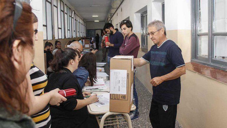 Cerró la jornada electoral y comienza el escrutinio en Río Negro