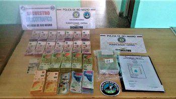cayo un pastor paraguayo con un millon de pesos falsos y cocaina