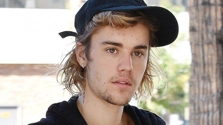 Repudio mundial contra Justin Bieber por defender a un golpeador