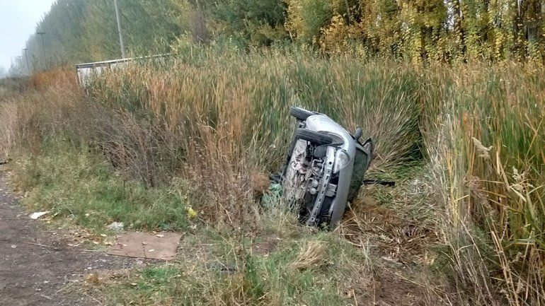 Cinco Saltos: joven estudiante neuquina chocó contra un camión
