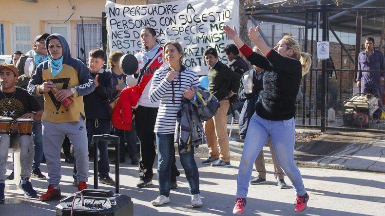 Las mejores fotos afuera del juicio contra el ginecólogo Rodríguez Lastra