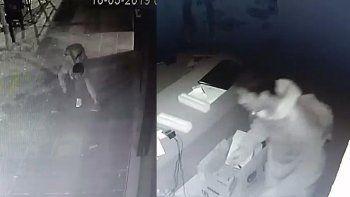 el adolescente que robo tres veces en dos dias quedo grabado por las camaras