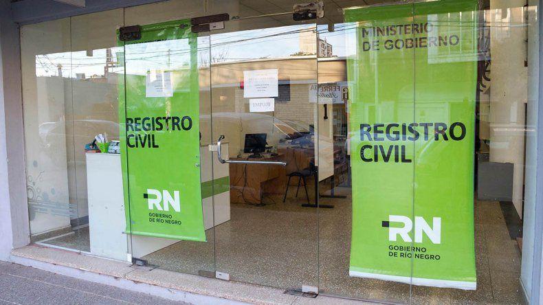 Un hombre agredió a los empleados del Centro de Documentación Rápida