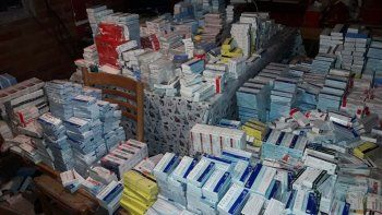 robaba los medicamentos de salud publica y los vendia en su casa