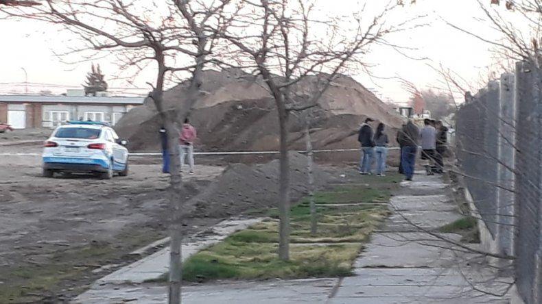 Hallaron el cuerpo de un hombre enterrado en cercanías al hospital de Cipolletti