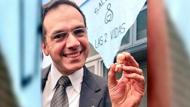 Quieren impugnar la boleta electoral de Rodríguez Lastra por llevar la imagen de un feto
