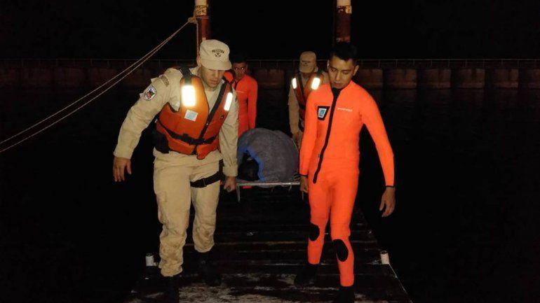 Rescataron a un joven que se ahogaba en el lago Nahuel Huapi