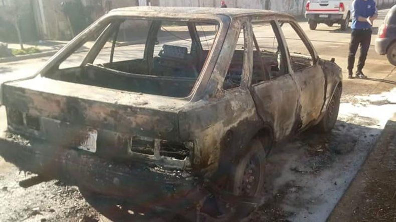 Le quemaron el auto a un vecino del Don Bosco
